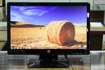 HP 21.5″ LED LCD Monitor (2211X) – Black – Works Great!